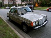 Mercedes-benz 300 Mercedes-Benz 300-Series Base Sedan 4-Door
